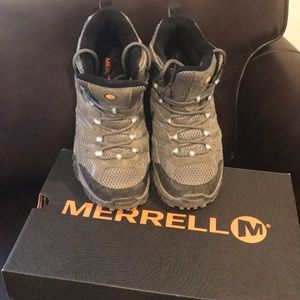 Almost Brand New Merrell hiking boots